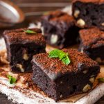 Quadrotti di cioccolato e noci