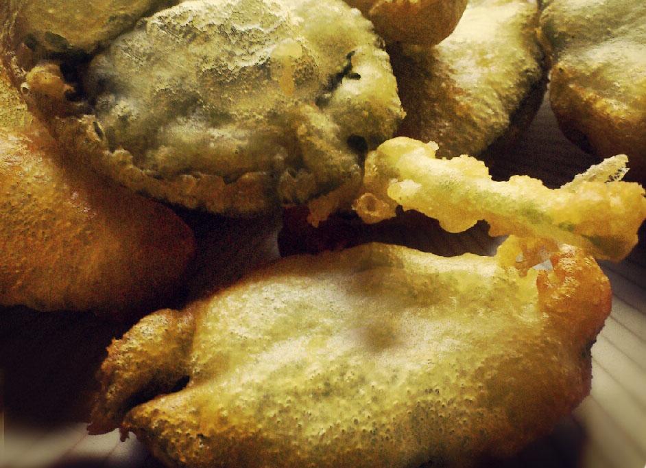 Involtini di Salvia Fritta ripieni di Crema di Patate