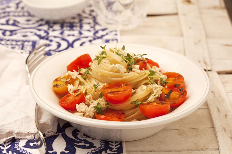 Linguine Vegane ai Pomodori e Tofu