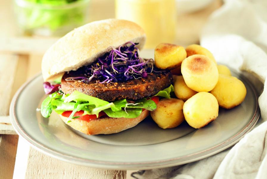 Burger di quinoa, radicchio e patate