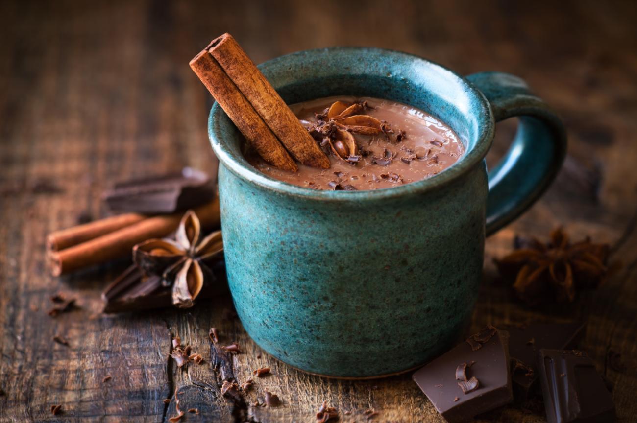 Cioccolata calda con anice e cannella