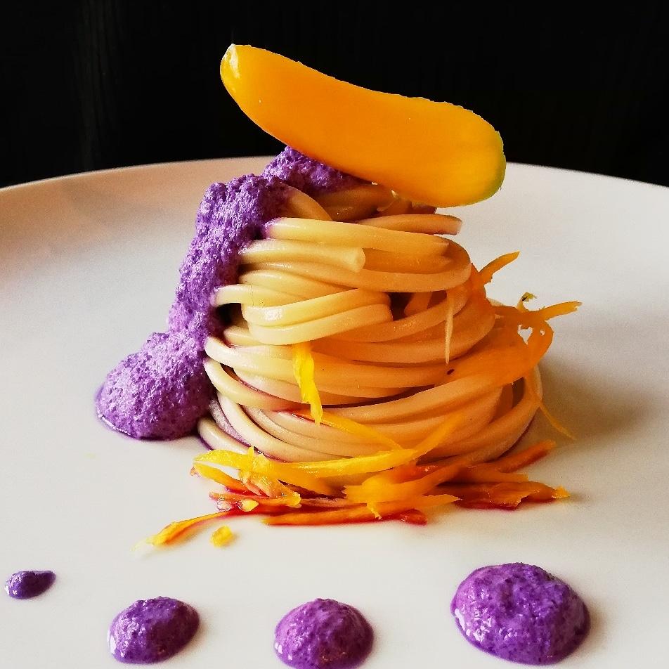 Spaghetti con Pesto di Cavolo Viola