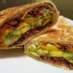 Tacos vegani con cavolo, riso rosso e soia