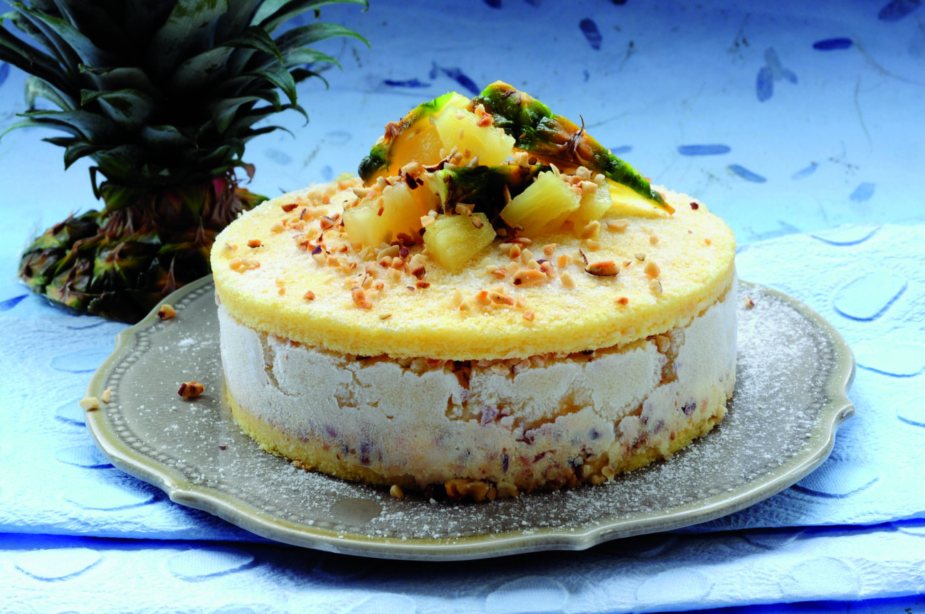 Torta soffice all'ananas e zafferano