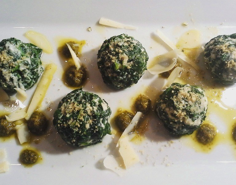 Gnudi di spinaci e ricotta di soia