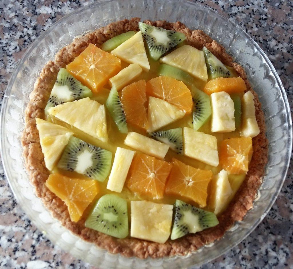 Torta con lemon curd e frutta