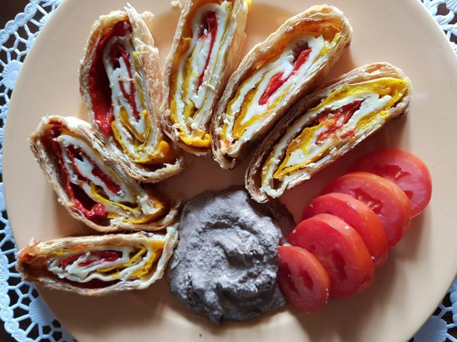 Roll vegani con peperoni