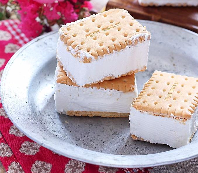 Gelato biscotto alla panna senza gelatiera