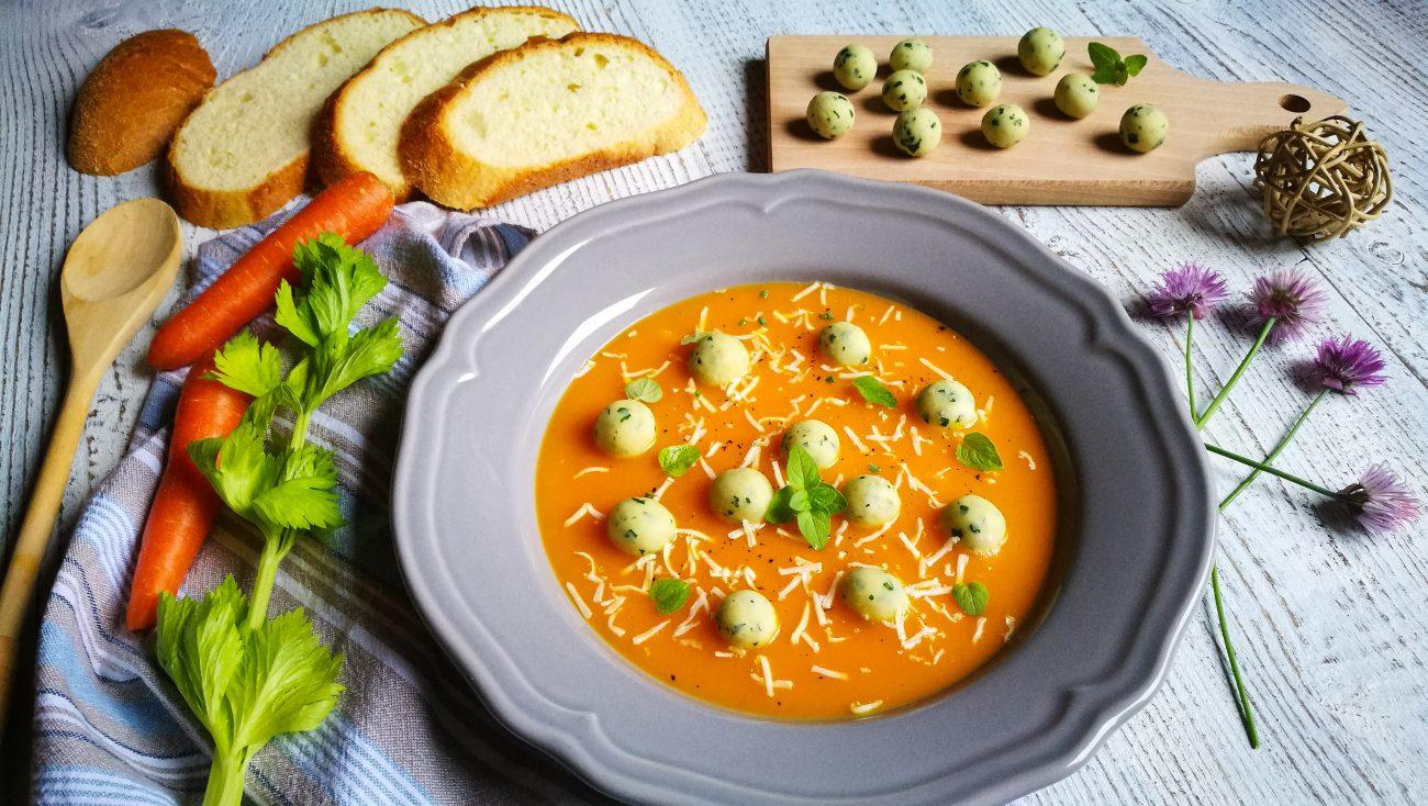 Gnocchetti di pane e ricotta su vellutata di carote