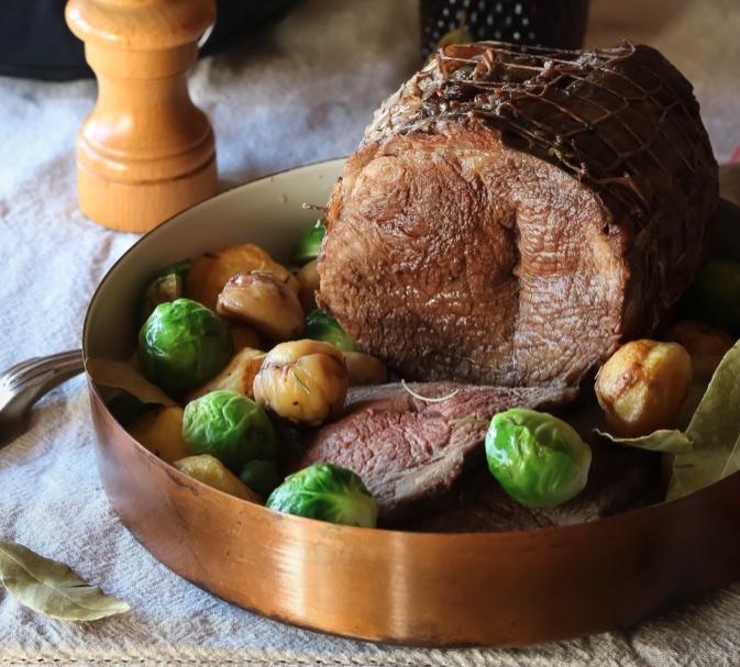 Arrosto di vitello con castagne e patate