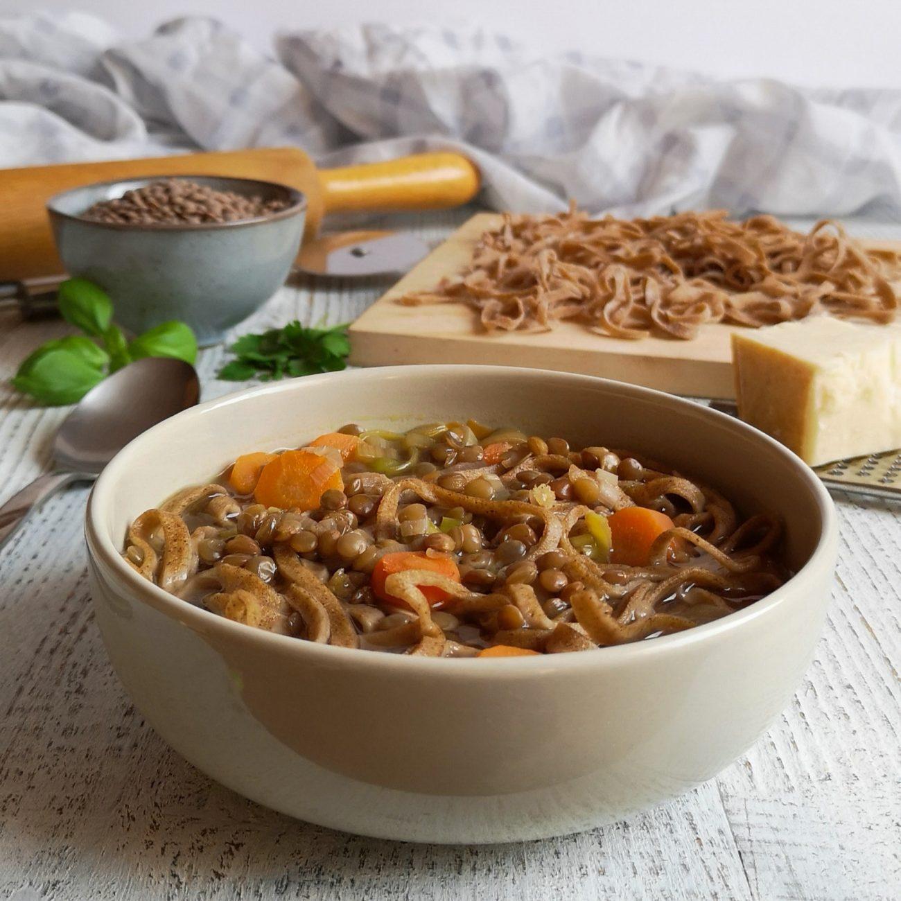 Zuppa di lenticchie con tagliolini al grano saraceno