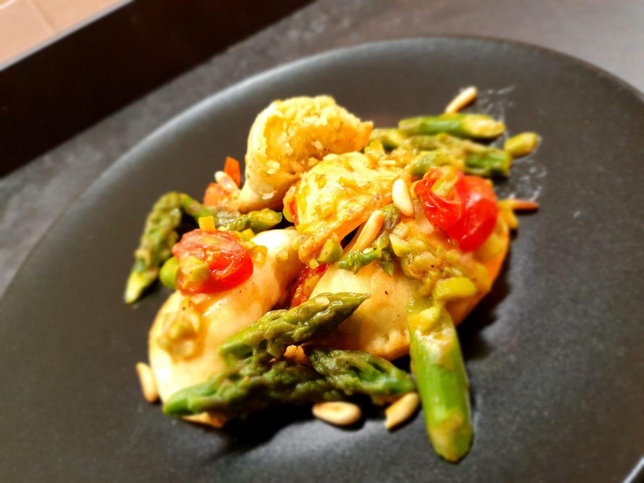 Fagottini ripieni di Asparagi e Pinoli