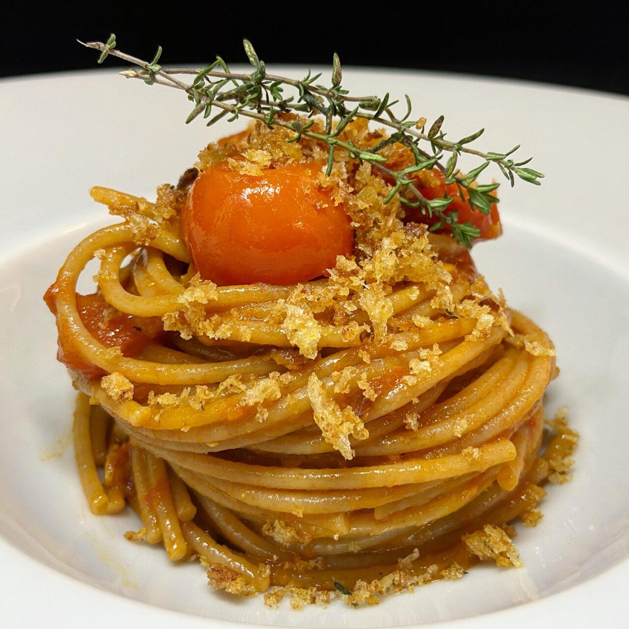 Spaghetti Alici Pomodorini e Pane