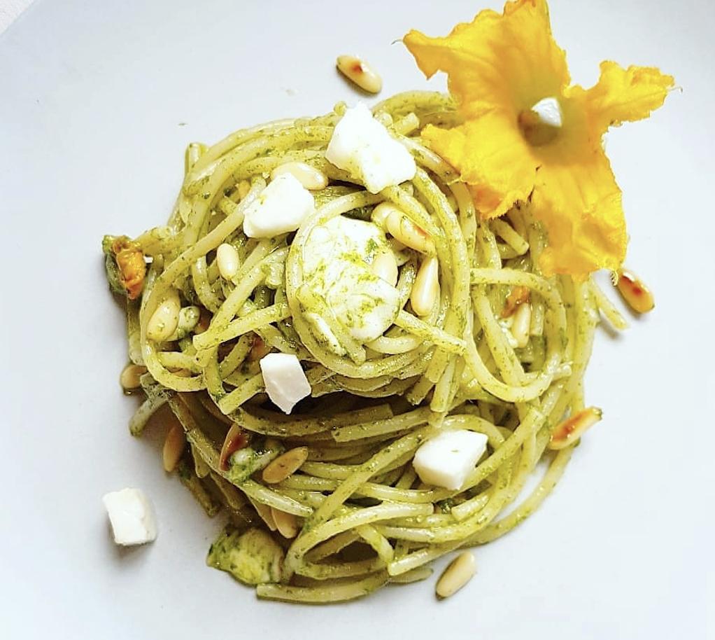 Pasta Fiori di Zucca, Acciughe e Mozzarella