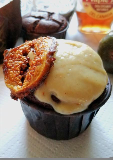 Muffin cioccolatosi alla crema pasticcera ai fichi