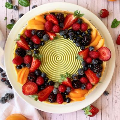 Crostata di frutti di bosco con sablée al lime