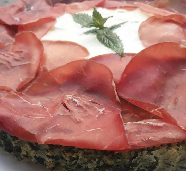 Torta Salata Spinaci con Bresaola e Squacquerone
