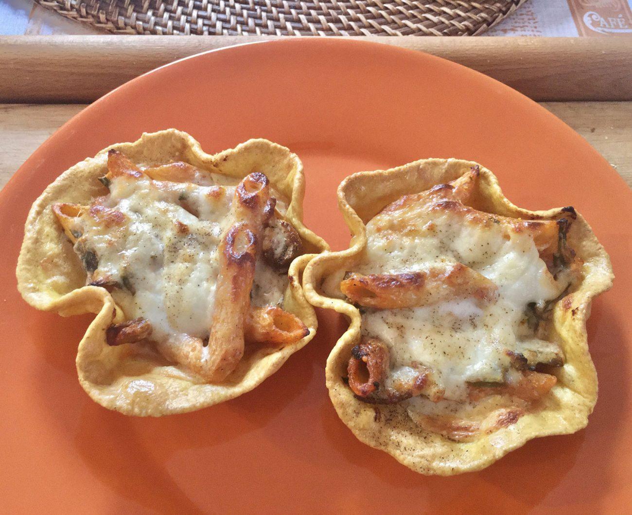 Cestini ripieni di Pasta Funghi e Mozzarella