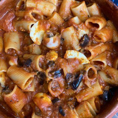 Pasta alla Parmigiana con Salame Piccante e Uova