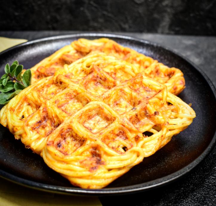 Waffle di Frittata di Pasta