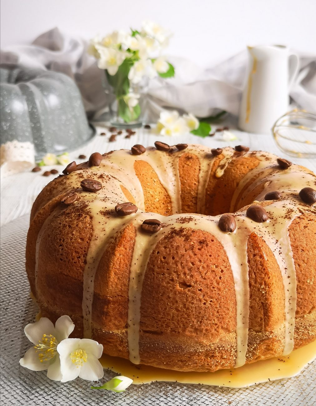 Bundt Cake Glassata al Caffè