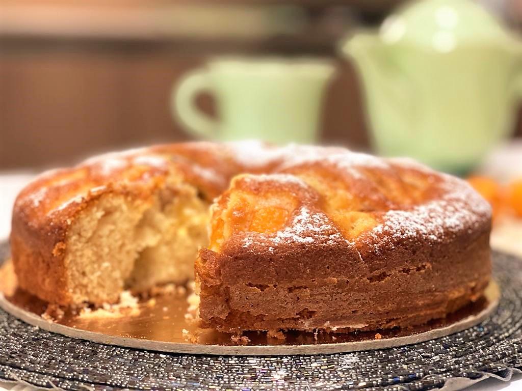 Torta Soffice con Albicocche e Yogurt